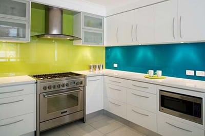 Biela moderna kuchyna