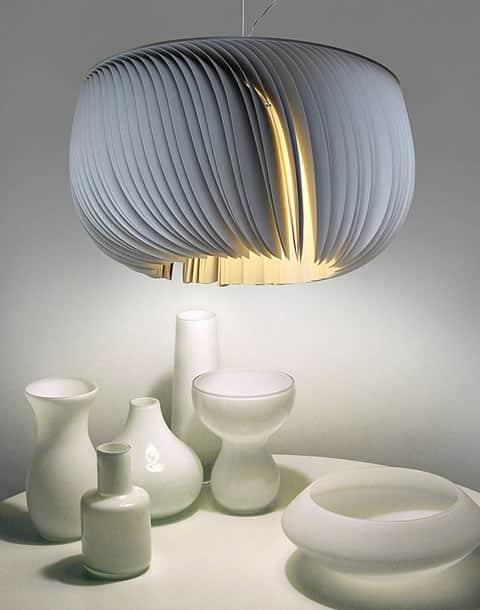 Moderná papierová lampa