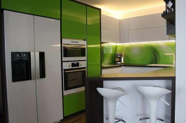 Zelená kuchyňa na mieru