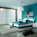Moderná biela spálňa