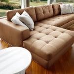 Hnedá kožená sedačka