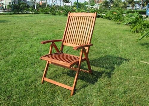 Polohovacia záhradná stolička