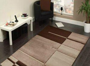 Kusový koberec - hnedý