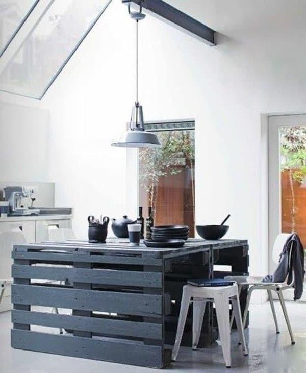 Kuchynský stôl z paliet