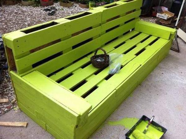 Záhradná lavička z paliet