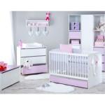 Biela dievčenská izba pre bábätko