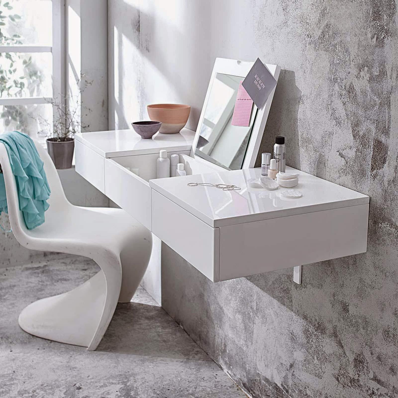 Dizajnový toaletný stolík