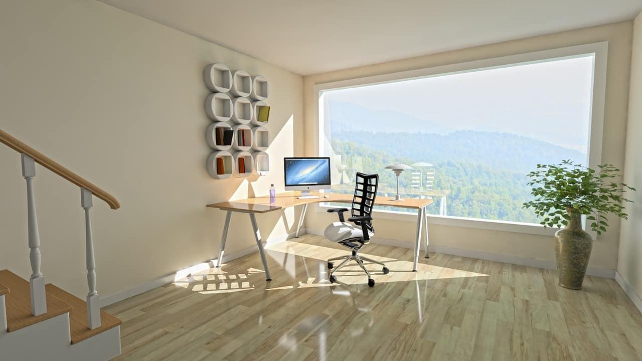 Moderná pracovňa v rohu izby